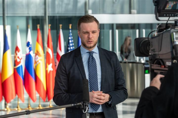 立陶宛外交部長藍斯柏吉斯(圖)22日在推特發文表示,9月底前將捐贈2萬劑AZ疫苗給台灣。總理席莫尼特說:「我們想送更多,但只能量力而為。」