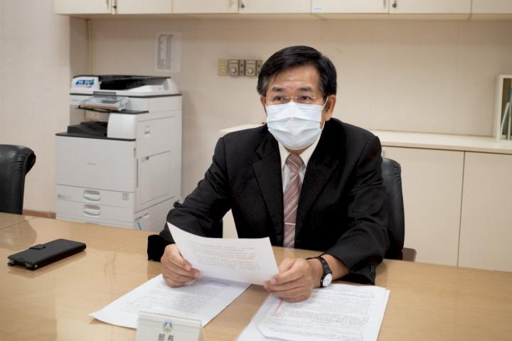教育部長潘文忠再次透過視訊主持教育部部務會報。(教育部提供)