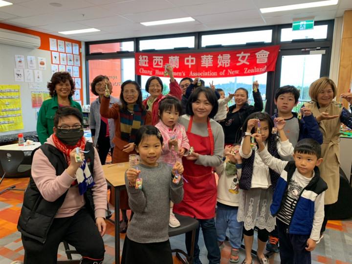 紐西蘭中華婦女會 包粽捏麵慶端午