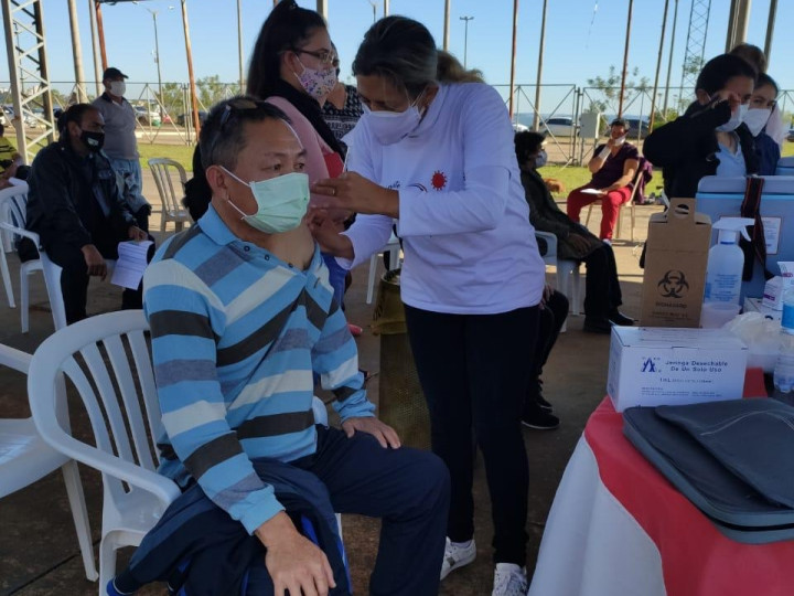 巴拉圭恩卡納西翁僑民郭男旭,於6月13日接種第一劑疫苗施打。