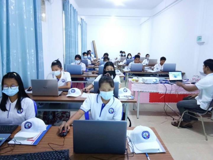 臘戌臺灣數位機會中心第二期電腦班開訓