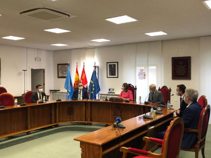 駐西班牙代表處劉大使拜會Aranda de Duero市長推廣雙邊貿易、觀光及文化交流