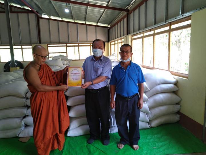 緬甸台商捐贈白米、衣服及鞋子給馬圭孤兒院