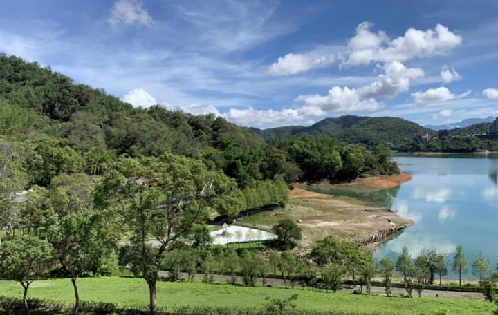 降雨與集水區挹注,日月潭水位穩定上升,11日蓄水率來到62.94%,水位高度742.22公尺。(日月潭國家風景區管理處提供)