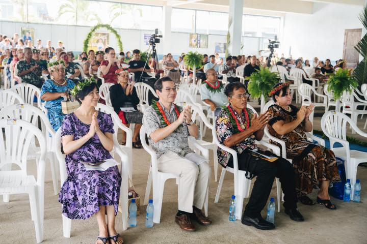 蕭勝中大使夫婦受邀參加天主教的Assumption High School的畢業典禮。