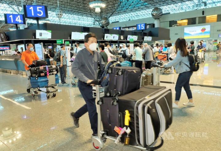 At Taiwan Taoyuan International Airport. CNA photo June 2, 2021