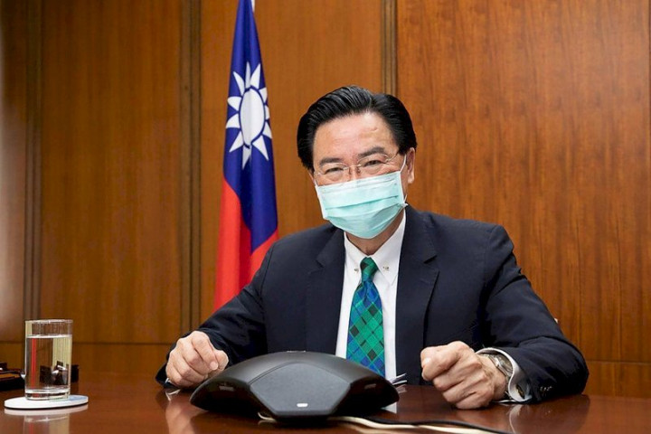 外交部長吳釗燮貼文表示感謝美國總統拜登與國務院的捐贈以及對台灣的大力協助。(外交部提供) (圖:中央社)