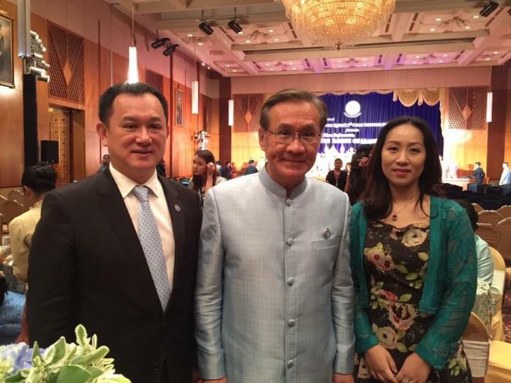 康樹德(左)與泰國副總理兼外交部長(中)。(康樹德提供)