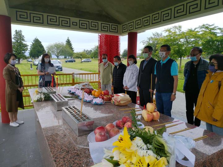 全加中華總會館祭祖緬懷先賢,儀式簡單隆重