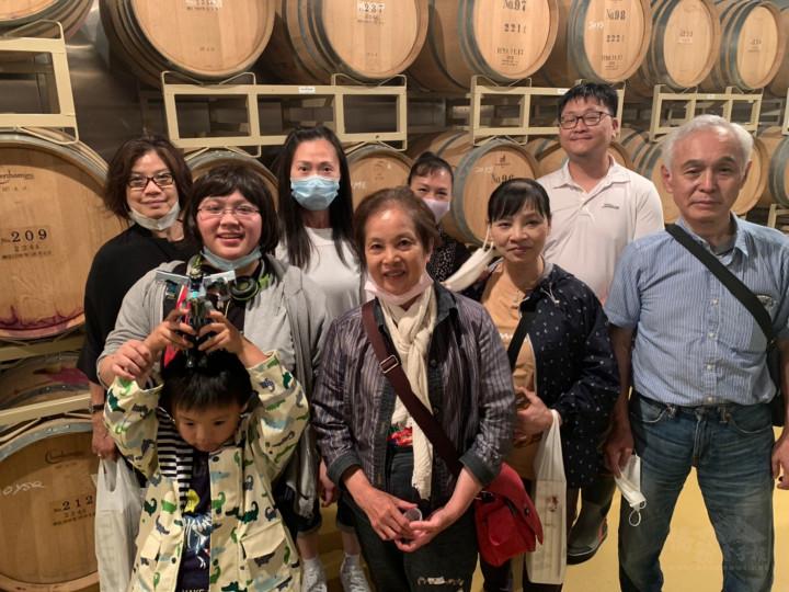 參訪葡萄酒工廠