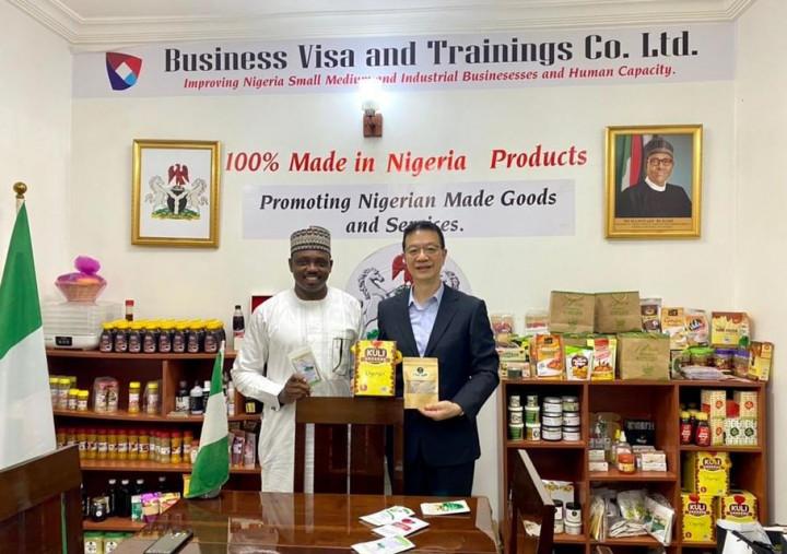 劉代表在奈國首都阿布加參訪奈及利亞農產產銷培訓機構 (Business Visa & Training Co. LTD),廣泛瞭解運作前景
