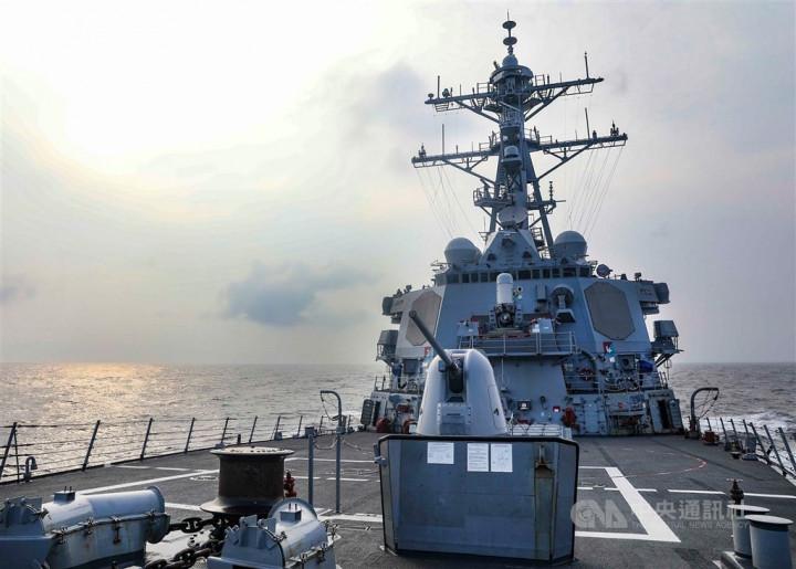 USS Benfold. Image taken from the Facebook page of the U.S. Pacific Fleet (facebook.com/USPacificFleet)