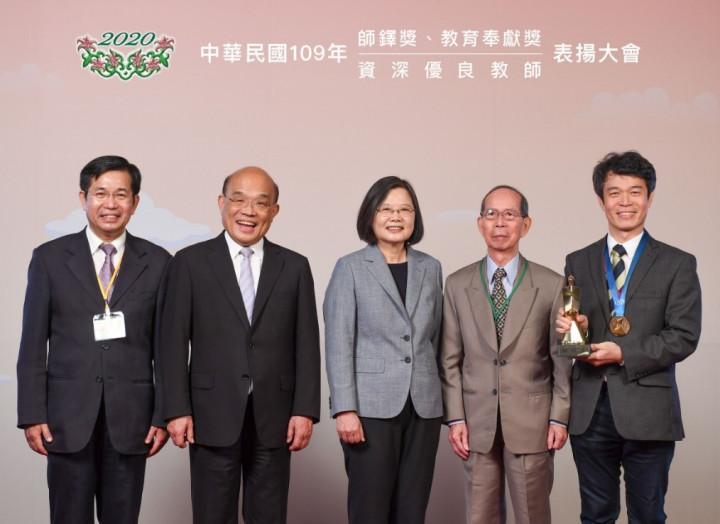 李俊耀獲得109學年度教育部師鐸獎。(拍攝日期2020年)