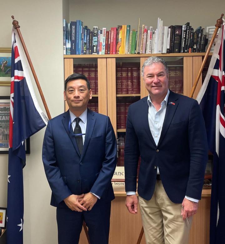 陶令文處長赴黃金海岸拜會昆士蘭州多元文化事務影子廳長 John-Paul Langbroek