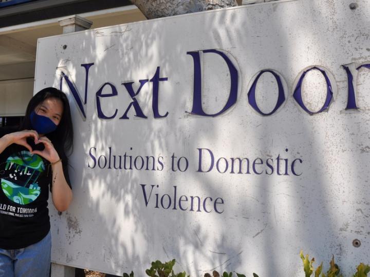 矽谷台裔少女陳孝儀從去年疫情爆發後至今,延續疫情 前的服務熱情,一年多來義工不斷線,發揮專長貢獻社 區,同時體驗到學校學不到的經驗。