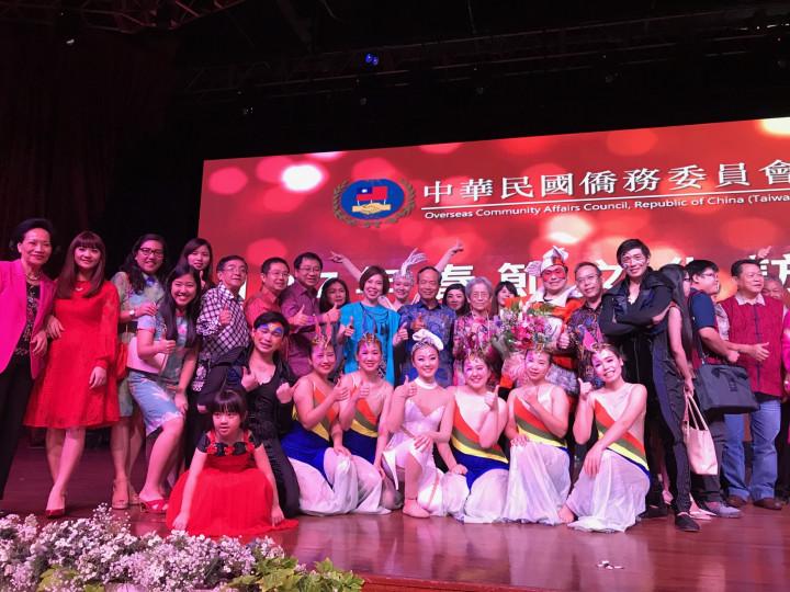 2018年舞鈴劇場擔任春節文化訪問團,赴亞洲日、菲、馬、越、泰、印等6個國家共10個城市進行巡迴訪演。(舞鈴劇場提供)