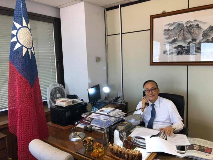 駐西班牙大使劉德立受訪 強調自由的臺灣會一直撐著香港的自由