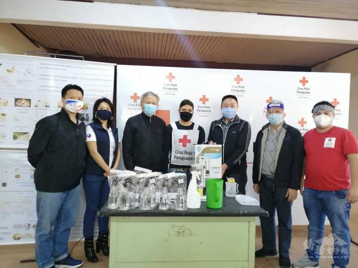 東方市中華會館長期與在地警政軍單位合作,透過多方面的管道加強地區性各單位的防疫措施,從根本性的協助抗疫