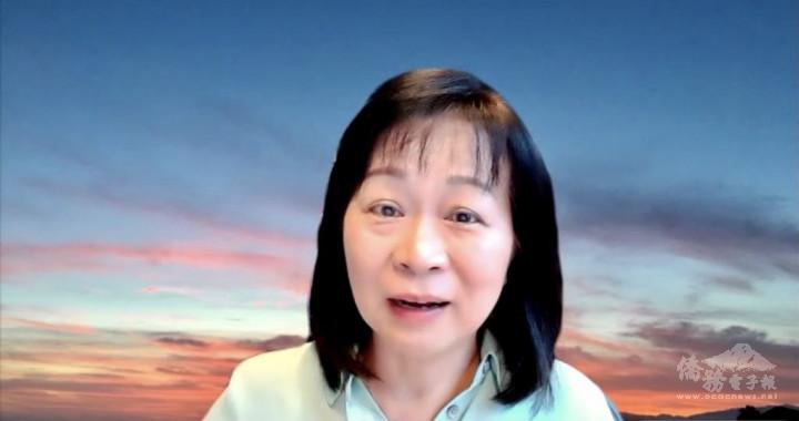 演講者胡慧玲博士