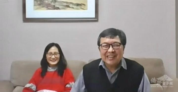 慕義教會主任牧師陳進宏(右)致詞,左為陳師母
