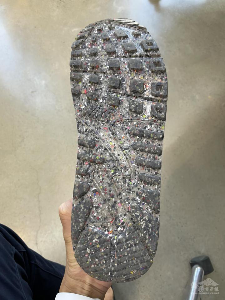 越南昶勇生產鞋材大底