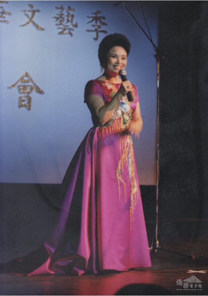 陳黃淑英在海華音樂季上以策劃人身份致詞