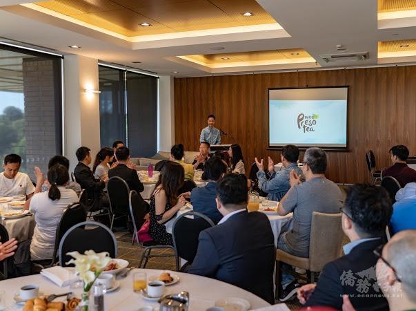 林家弘與臺商分享創業經驗。
