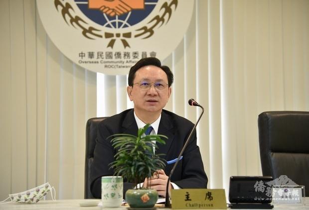 僑務委員會童振源委員長勉勵海外青年認真學習華語。