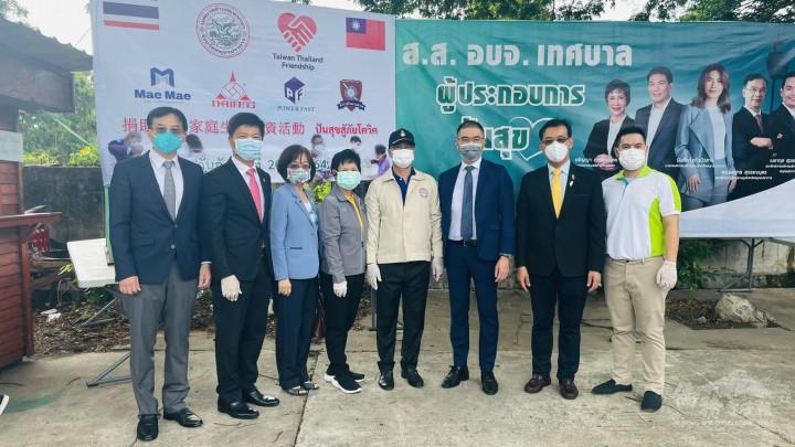 徐蔚民副代表(右三)率隊出席北欖府弱勢賑濟公益活動
