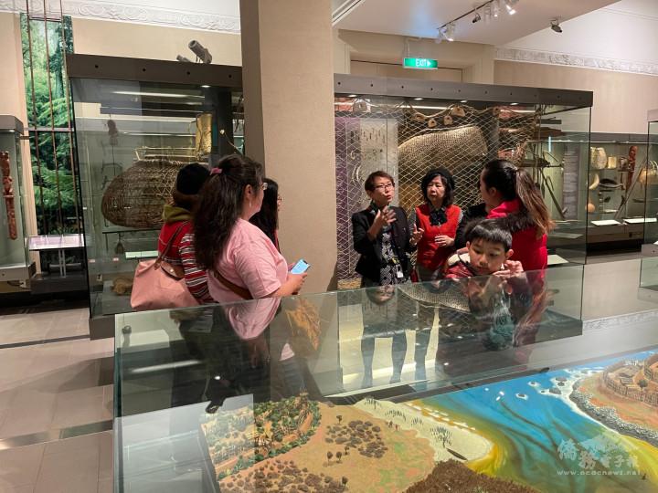 導覽人員為會員導覽毛利文化
