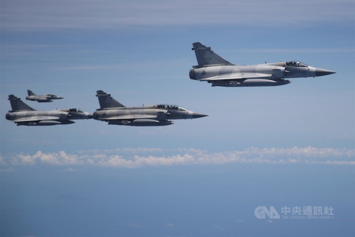 Mirage 2000 jets to greet returning Taiwan athletes.