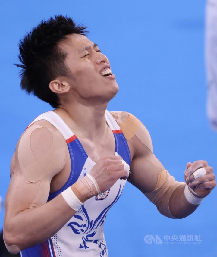 「鞍馬王子」李智凱(圖)以總分15.400僅次於英國好手,勇奪銀牌。圖為李智凱成績揭曉當下難掩激動