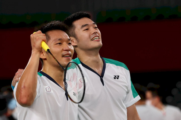 台灣羽球男雙搭檔王齊麟與李洋摘奧運首金