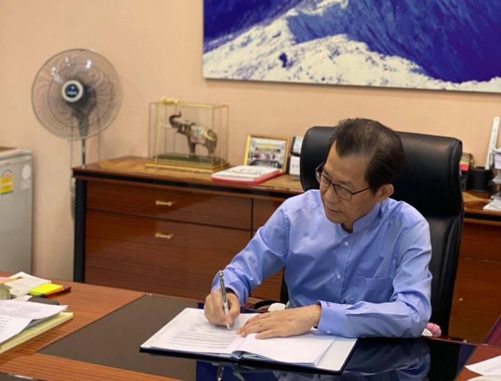 總統府4日發布總統令,駐泰國代表李應元(圖)已准辭職,應予免職,自9月1日生效。 (圖片來源:李應元臉書)
