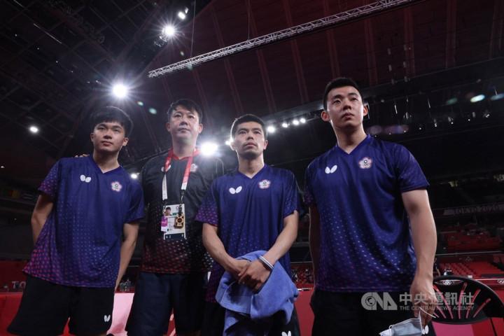 From left: Lin Yun-ju, team coach Chiang Peng-lung, five-time Olympian Chuang Chih-yuan, and Chen Chien-an.