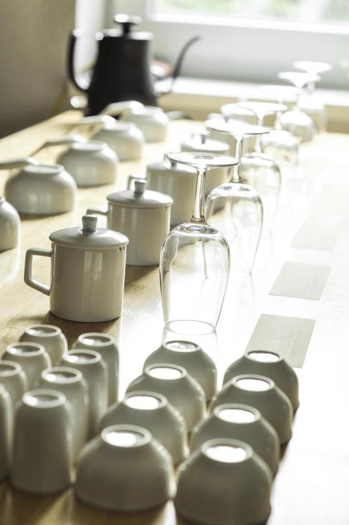 鹿野茶房舉辦的賞茶會除了引用品酒器具,並客觀談論臺灣茶的品種、風土、工藝。以專業的美食家語言吸引歐洲客戶。