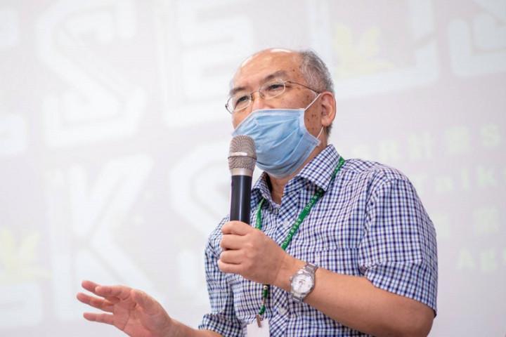 成功大學生命科學系特聘教授蔣鎮宇以生物領域研究成果,獲印度STAIR進步論壇終生研究獎肯定。(蔣鎮宇提供)