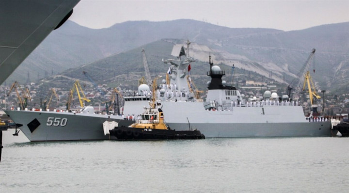 A Chinese Navy frigate.