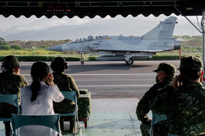 總統聽取各機型領隊報告「加油整補情況」