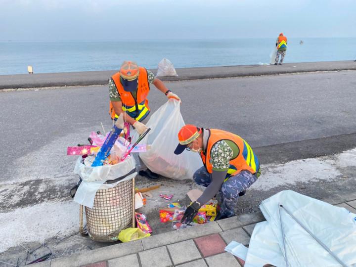 中秋4天連假結束,台南市安平區及南區沿海景點共清出8.5公噸垃圾