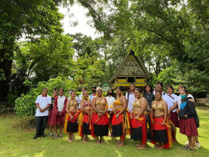 透過嶄新的導覽方式一窺帛琉傳統文化