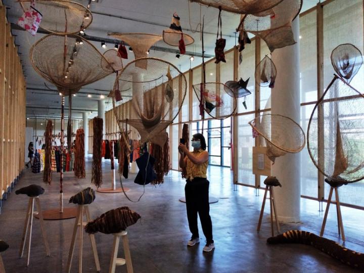 第34屆聖保羅雙年展是原住民藝術家代表人數最多的一屆,有來自世界各地的9名參與者,約佔總數的10%。