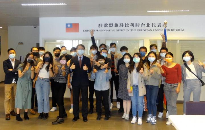 蔡明彥與比利時、荷蘭主要大學臺灣同學會會長幹部進行座談