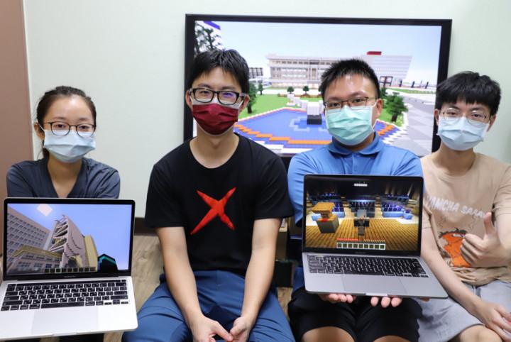 台灣科技大學資訊工程系團隊打造台科大麥塊校園,包括校園場景和校內近20棟建築物,提供虛擬校園巡禮、玩尋寶遊戲。(台科大提供)