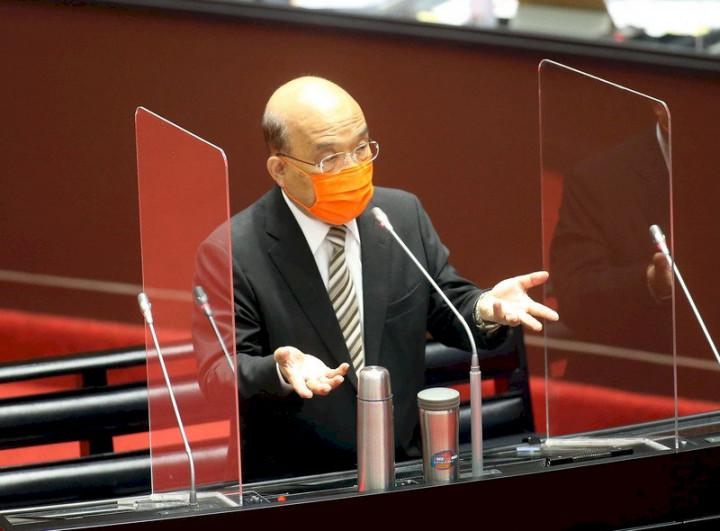 立法院22日加開院會,行政院長蘇貞昌備詢時指出,中國以驗出介殼蟲為由,片面暫停台灣農產品輸入,是以政治妨礙正常的國際貿易。(圖:中央社)