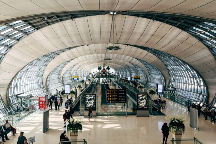 泰國總理帕拉育27日宣布將分4階段開放,預計從11月1日起完整接種疫苗者入境曼谷、巴達雅、清邁和華欣等旅遊勝地免隔離。 (示意圖/圖取自 Unsplash圖庫)