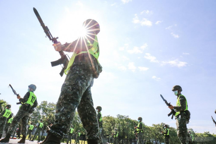Taiwan's military reverses course on conscript training