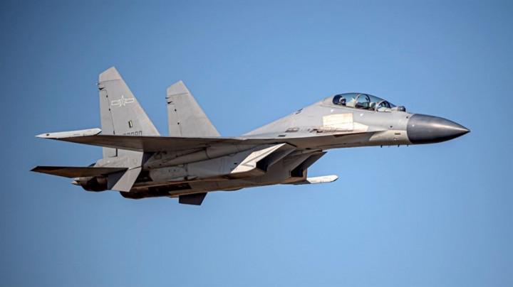 A PLA J-16 fighter jet. Photo courtesy of the MND