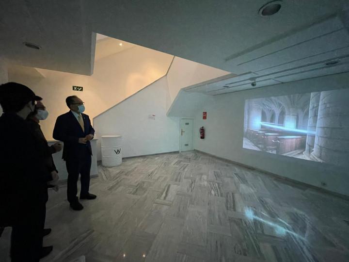 劉德立大使參訪我國藝術家丁建中及曾御欽於西班牙馬德里「第14屆放映機錄像藝術節」(PROYECTOR)展覽並款待兩位藝術家