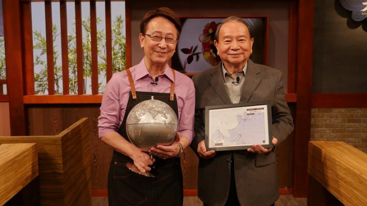 氣象主播任立渝(右)退休後首次露面,接受多年好友李四端(左)訪問,並分享獲得金鐘獎特別貢獻獎的幕後故事。(MOMOTV提供)